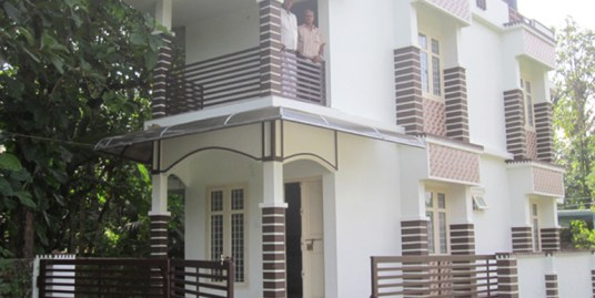 Newly constructed villa for sale at Chalakudy town