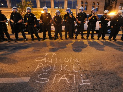 NATO protests in Chicago: Police van drives into protesters, web video reporters detained, held at gunpoint
