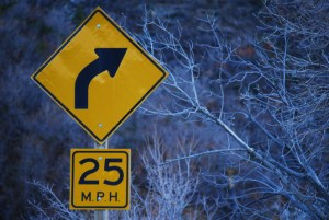 25-mph-curve-sign-830292-gallery