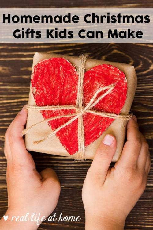 Want to get your kids involved in Christmas gift giving? Let them help out and make homemade gifts for your family and friends. Don't miss this list of homemade gifts kids can make. | Real Life at Home #HomemadeGifts #KidMadeGifts
