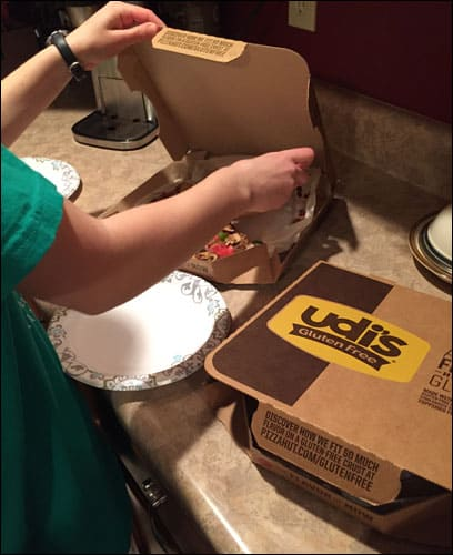 "Digging in to the ""Create Your Own"" Gluten-Free Pizza Hut pizza"