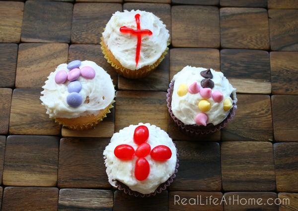 Easy Easter Cross Cupcake Decorating Ideas for Kids & Easy Easter Cupcake Decorating Ideas for Kids
