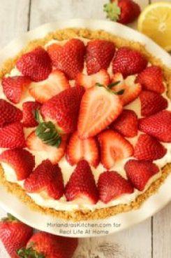 Easy, No Bake Strawberry Cheesecake