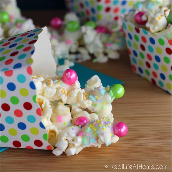 Quick, Easy, and Delicious Spring-inspired Sweet Popcorn Mix Recipe