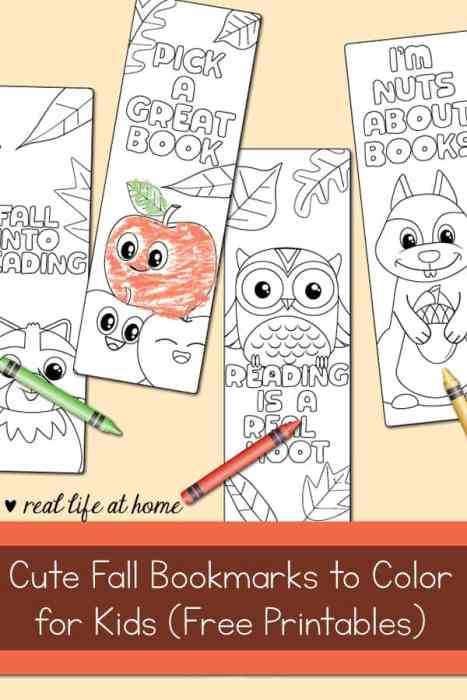 Enjoy these free fall bookmarks to color for kids featuring cute fall animals and drawings - like owls, squirrels, raccoons, and apples | Real Life at Home