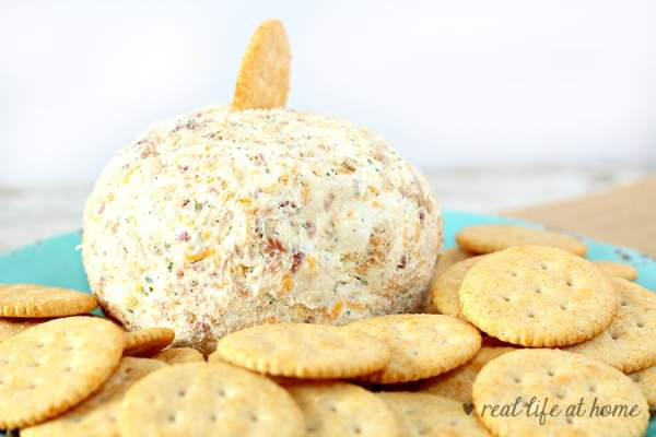 This chicken bacon ranch cheese ball is an easy-to-make cheese ball recipe that is perfect for holiday appetizers, parties, or a fun surprise for a family night at home. You can also just put the mixture in a small bowl and present it as a cheese dip.