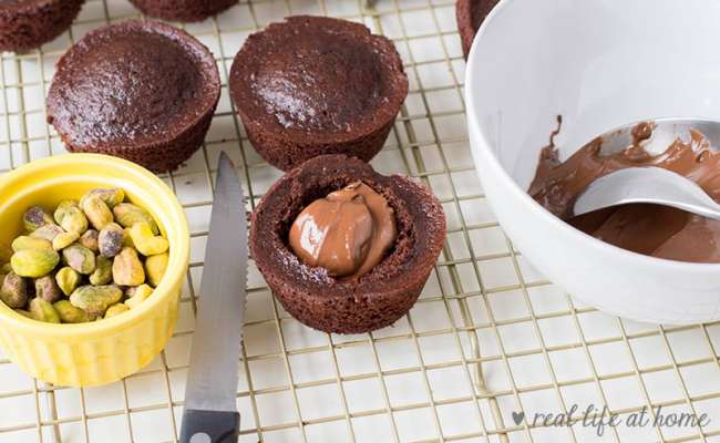Cupcake with Nutella filling (chocolate hazelnut filling)