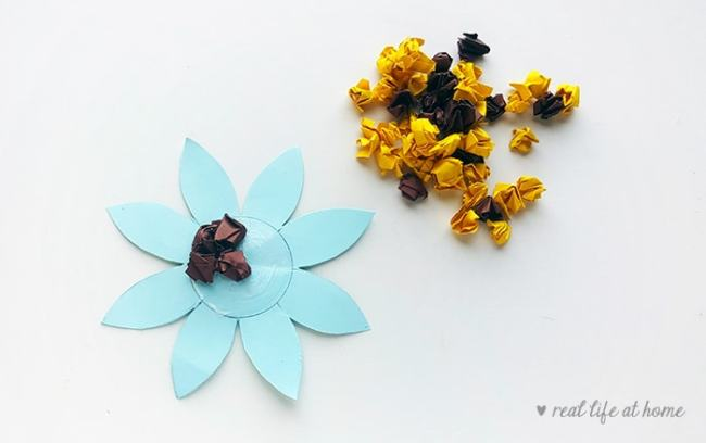 Paper Sunflower Craft for Kids - step 3