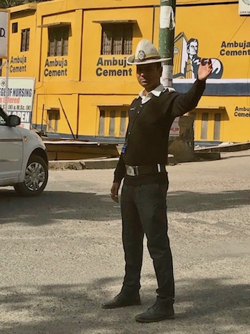 Police cops; traffic police in Himachal Pradesh are fly like mounties