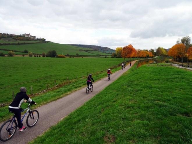 Cyclist heading towards Dijon