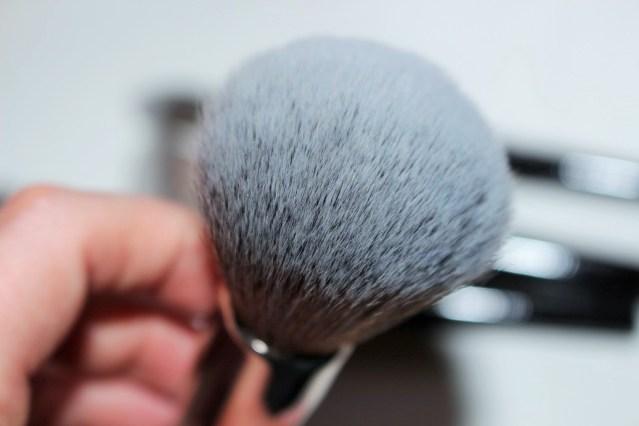 look-good-feel-better-makeup-brushes-powder