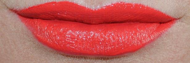 estee-lauder-pure-color-envy-liquid-lip-potion-swatch-cold-fire-2