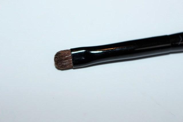 bobbi-brown-greige-dual-ended-eye-liner-smokey-brush-3
