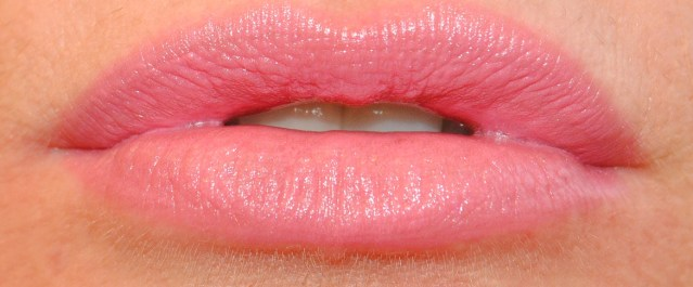 rimmel-the-only-1-lipstick-swatches-100-pink-me-love-me