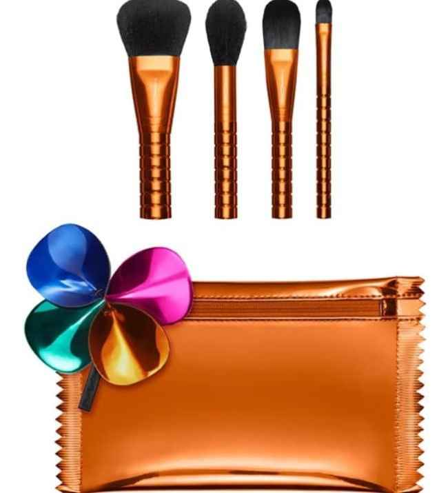 Best Christmas Makeup Brush Sets 2018 - MAC Shiny Pretty Things