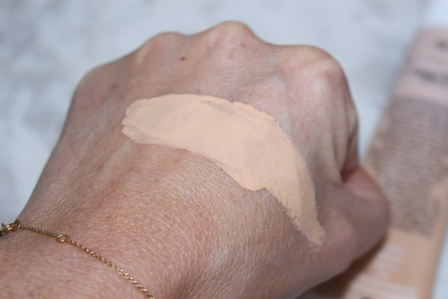 Sunday Riley Influencer Clean Long Wear Foundation Swatch 120