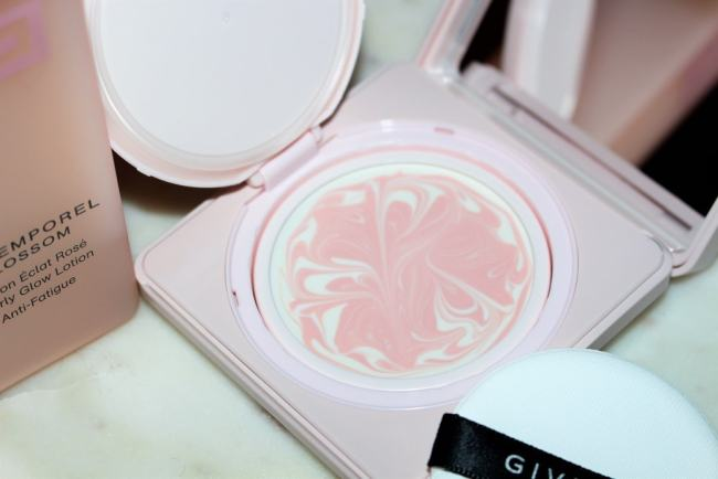 Givenchy L'Intemporel Blossom Compact Day Cream SPF15