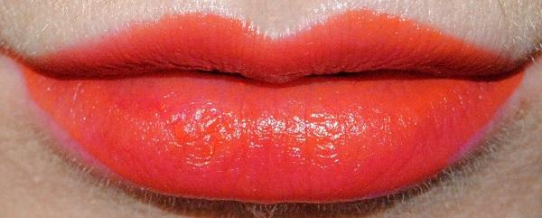 L'Oreal Paris Rouge Signature Matte Liquid Lipstick Swatch - I Achieve