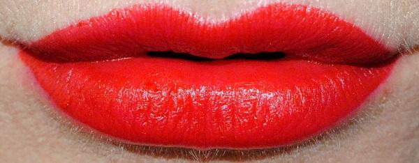 L'Oreal Paris Rouge Signature Matte Liquid Lipstick Swatch - I Don't