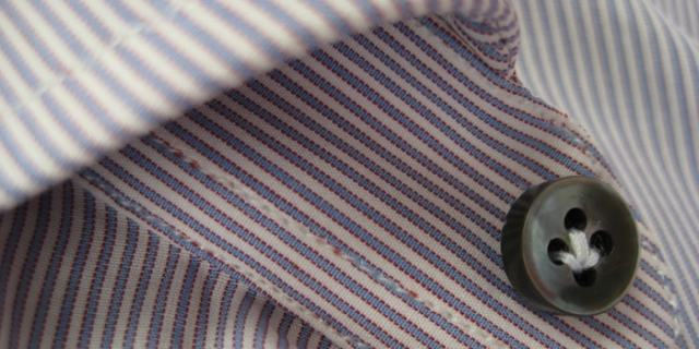 collar button