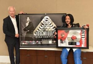 Rihanna-RIAA AWSRDS