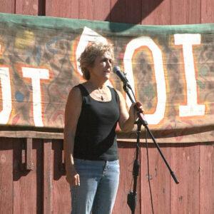 Barbara Damrosch speaks at farm rally