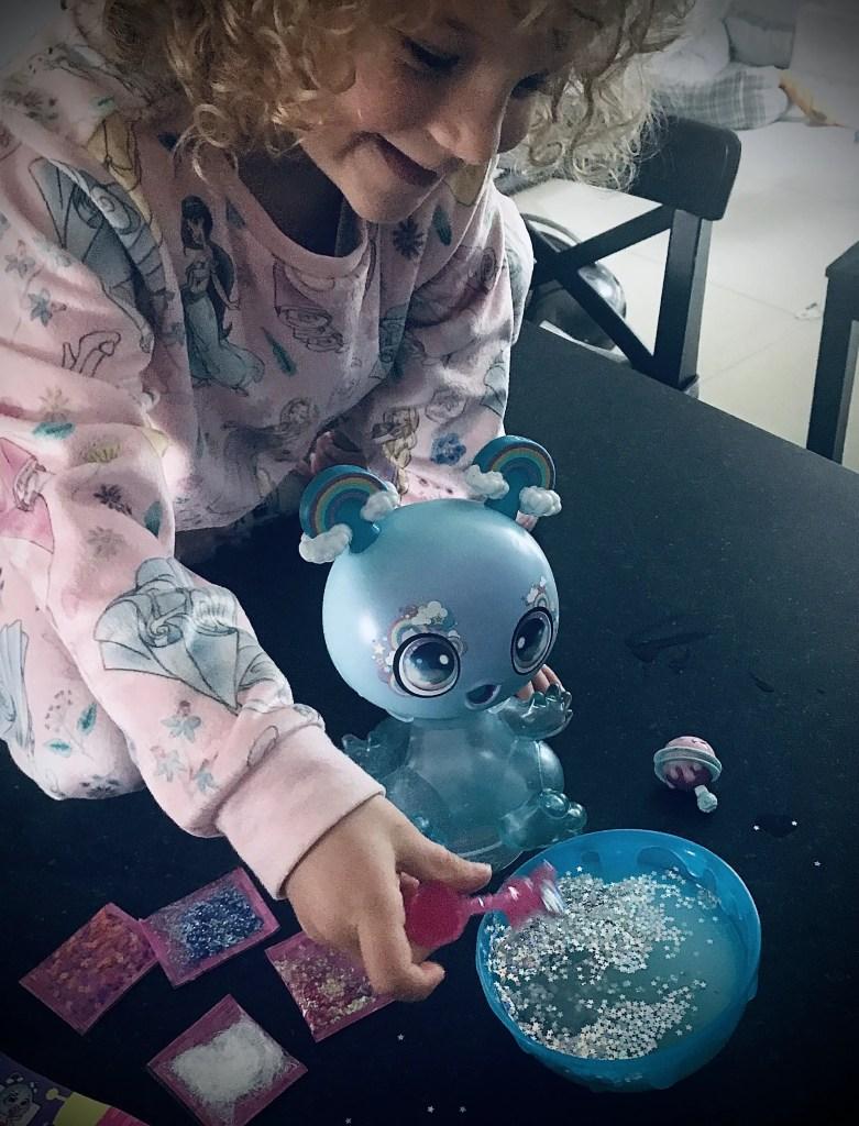 Goo Goo Galaxy Slurp 'n' Slime Goo Drop - Mixing The Glitter Slime