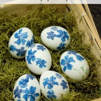 Decorate Easter Eggs With Paper Napkins!