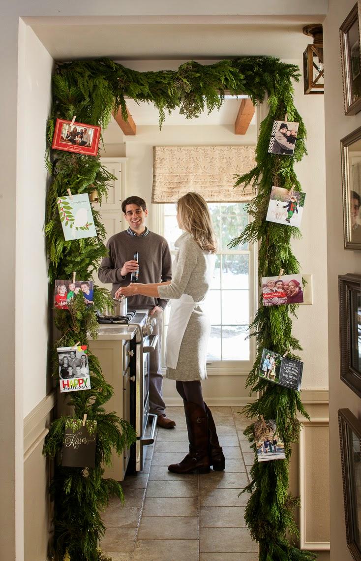 green garland door frame card display