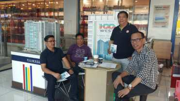 Filinvest Manning Booth at WalterMart Makati last March 26, 2017 Sunday. To get a slot in manning booths you already have completed accreditation requirements, attended Brokers Orientation Program B.O.P. and Project Immersion.