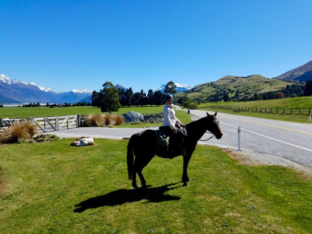 Horse-riding in New Zealand with Southern Crossings among stunning Alpine scenery