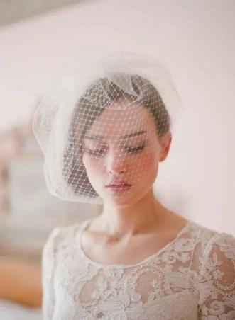 2015 Wedding Trends Vintage style birdcage veil from Rebecca Loves Weddings www.rebeccaanderton.co.uk