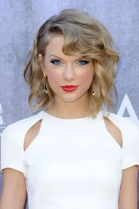 Prom Hair and Makeup Inspiration - Taylor Swift 1950s hair and makeup from Rebecca Loves Weddings www.rebeccaanderton.co.uk