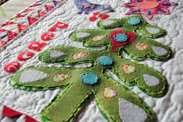 christmas-tree-applique free mini quilt pattern