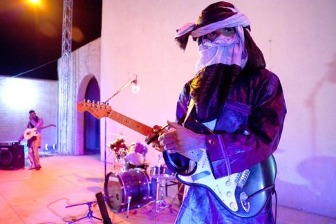 11-06-mdou-moctar-3-by-jerome-fino-2014-lores
