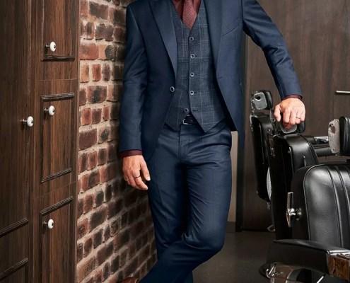 Business Anzug mit abgesetzter Weste