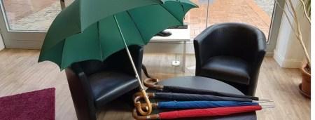 Regenschirme - das großformatige Original von Swayne Adeney Brigg in verschiedenen Farben