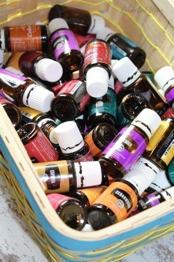 Don't throw them away! Find out how to clean and reuse essential oil bottles to give them a wonderful and useful second life!