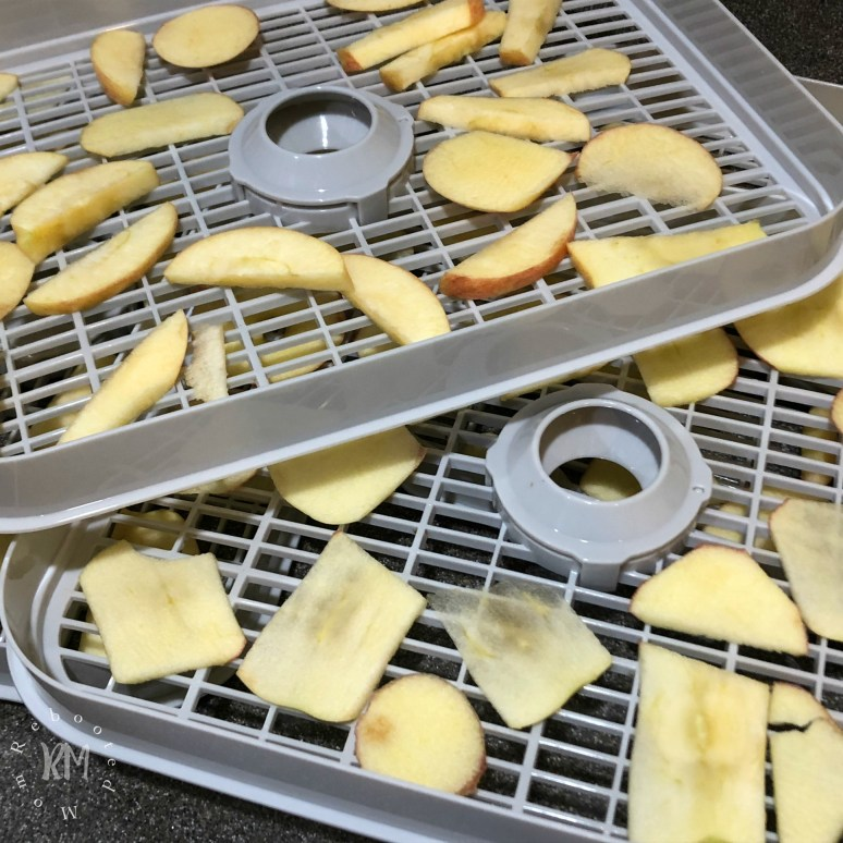 Learn the best way to make dehydrated apples in the dehydrator so you can make dehydrated apples as a healthy snack for your family.