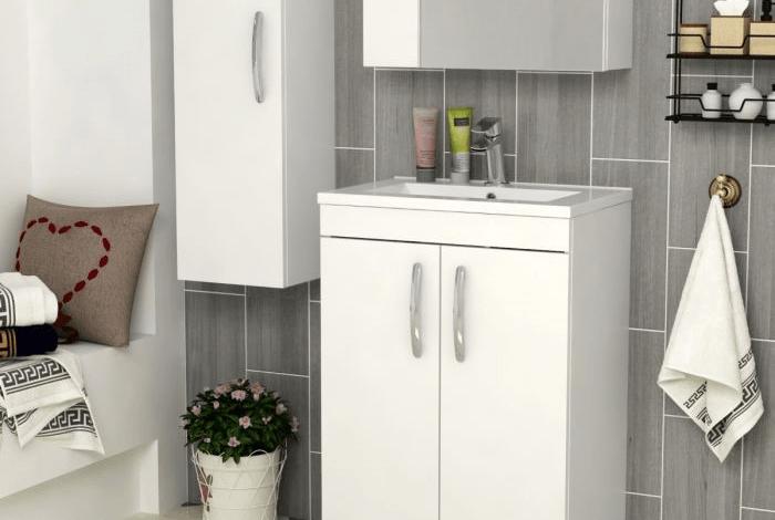 small vanity sink in bathroom