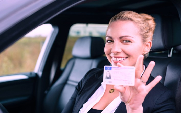 renting a car in dubai with us license