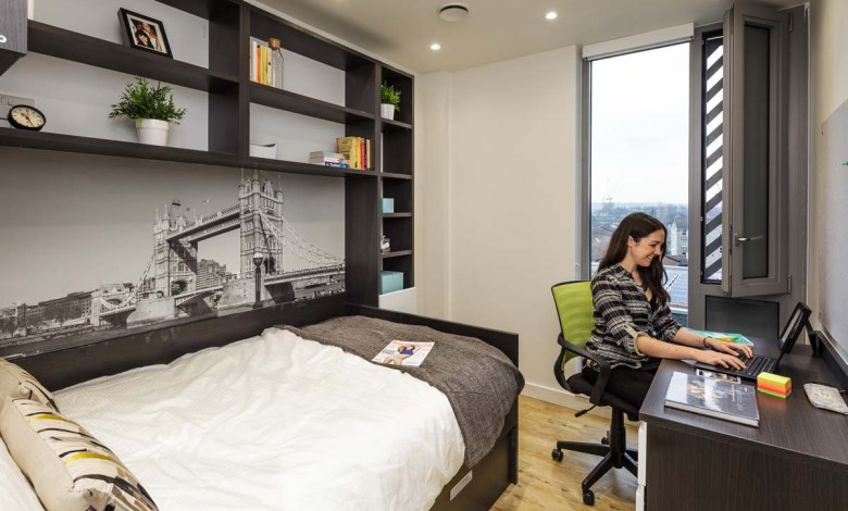 Student Study in Room