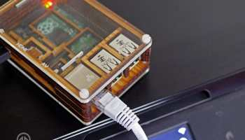 New Zealander builds a Raspberry Pi-powered phone mast out of a