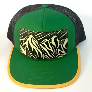 Front view of Kelly Green foam front, Peaks and Curves Print hat