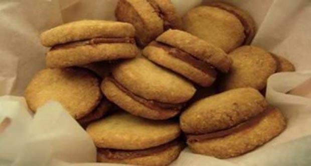 Receita de Bem casado com doce de leite - Muffin de Torrada com Calda de Doce de Leite