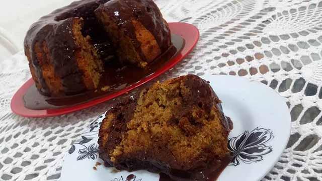 Bolo de Café com Nozes e Ganache Meio Amargo - Torta de Ricota com Nozes e Calda de Damasco