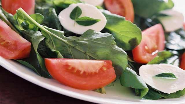 Salada de Manjericão