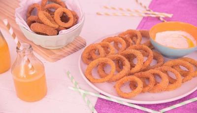 Como fazer Anéis de Cebola Apimentada Empanada