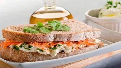 Como fazer Sanduíche Cremoso de Cenoura
