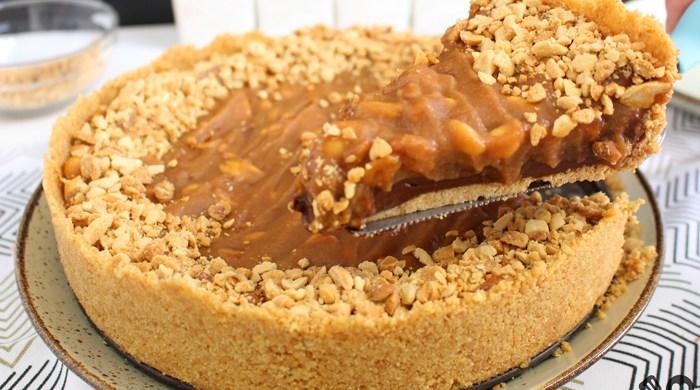 Torta de chocolate com amendoim